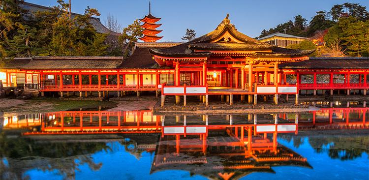 紅葉に彩られた本州一周+釜山クルーズツアー写真